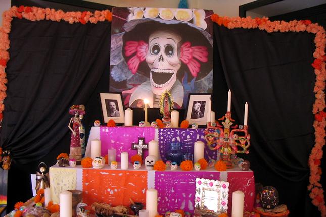 halottak-napja-mexikóban-oltár