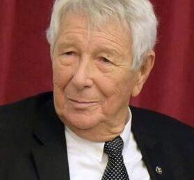 Elhunyt Varga Gyula